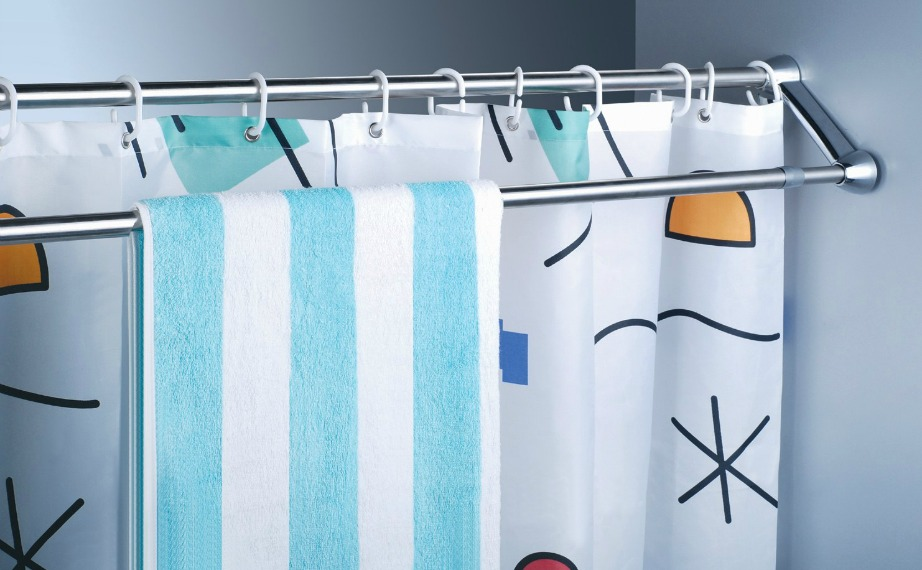 Με το διπλό κοντάρι κουρτίνας θα έχετε περισσότερο χώρο για να κρεμάτε πετσέτες και σφουγγάρια.