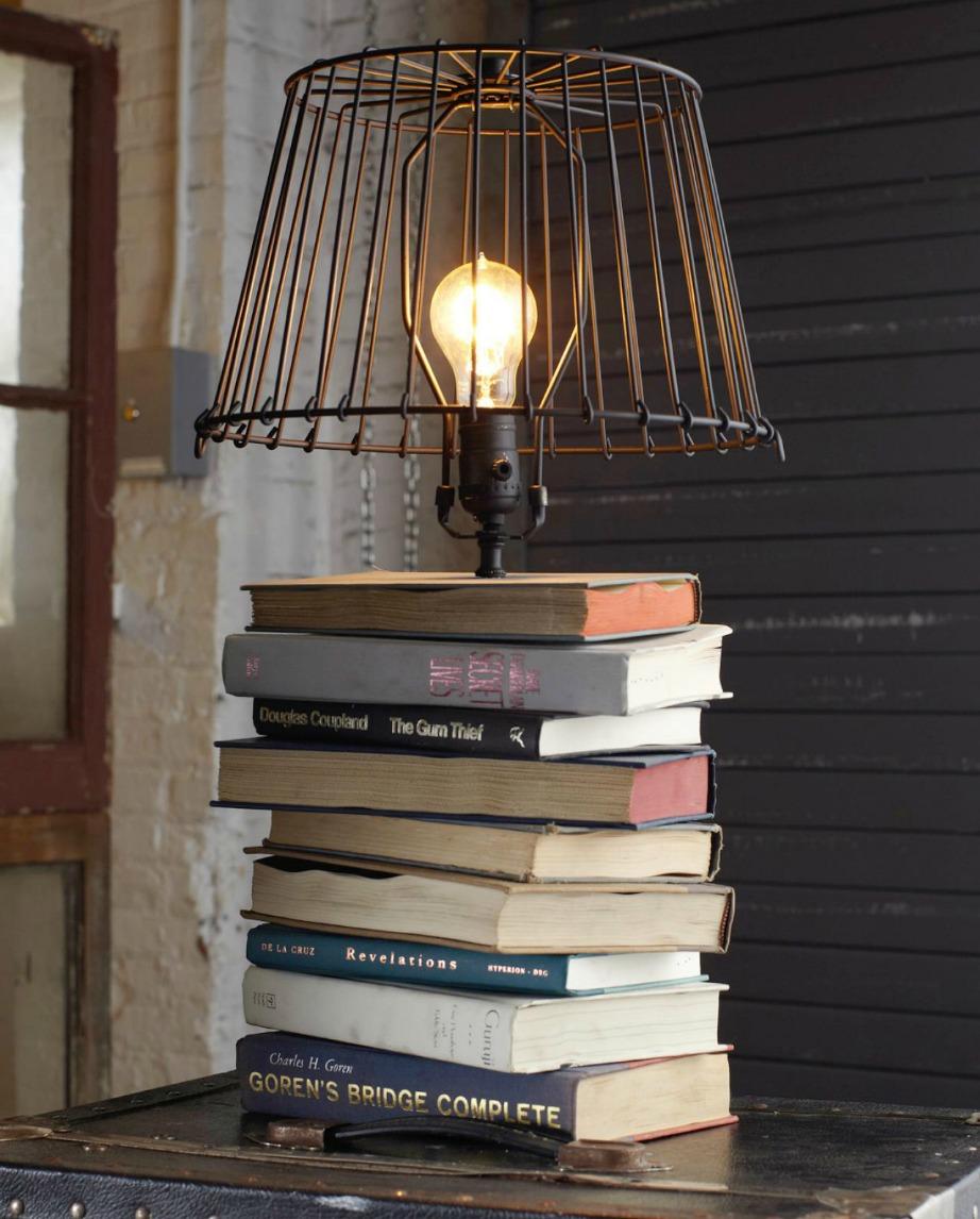 Διακοσμήστε τα βιβλία με διάφορους τρόπους.
