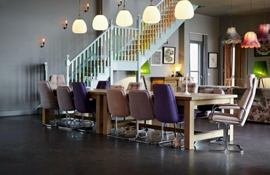 Καρέκλες γραφείου για μια τραπεζαρία για CEO.