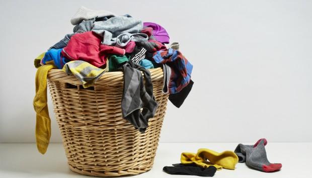 Νοικοκυρές εν Δράσει: Φτιάξτε Μόνες σας Απορρυπαντικό με Λιγότερο από ένα Ευρώ