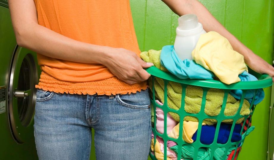 Μην αφήνετε τα άπλυτα ρούχα να μαζεύονται.