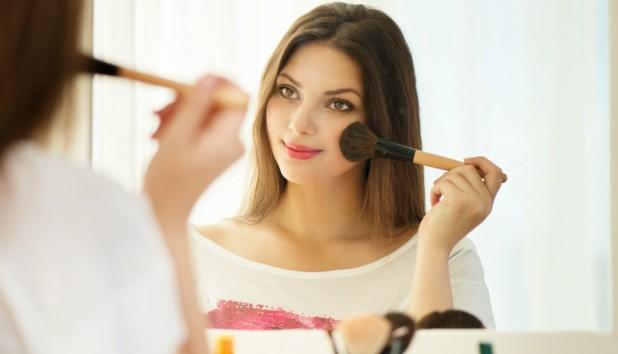 Μήπως το Μακιγιάζ σας σας Προσθέτει Χρόνια; ΑΥΤΟ Κάνετε Λάθος