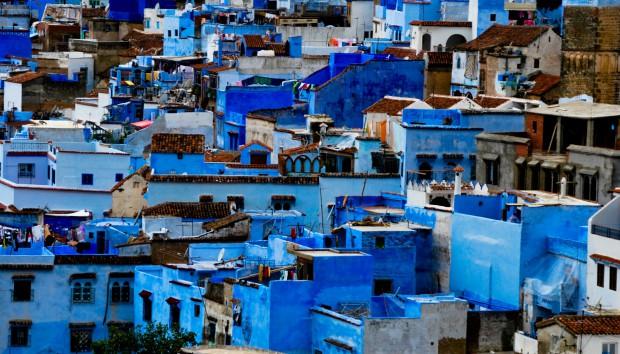 Γιατί Αυτή η Πόλη είναι Βαμμένη Όλη Μπλε;
