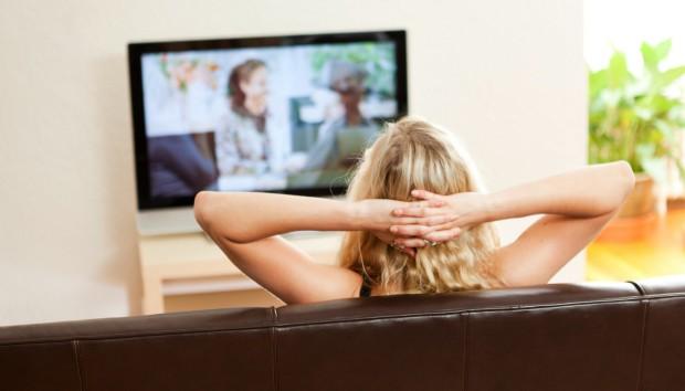 19 Περίεργα Πράγματα που όλοι Κάνουν όταν Μένουν Μόνοι στο Σπίτι