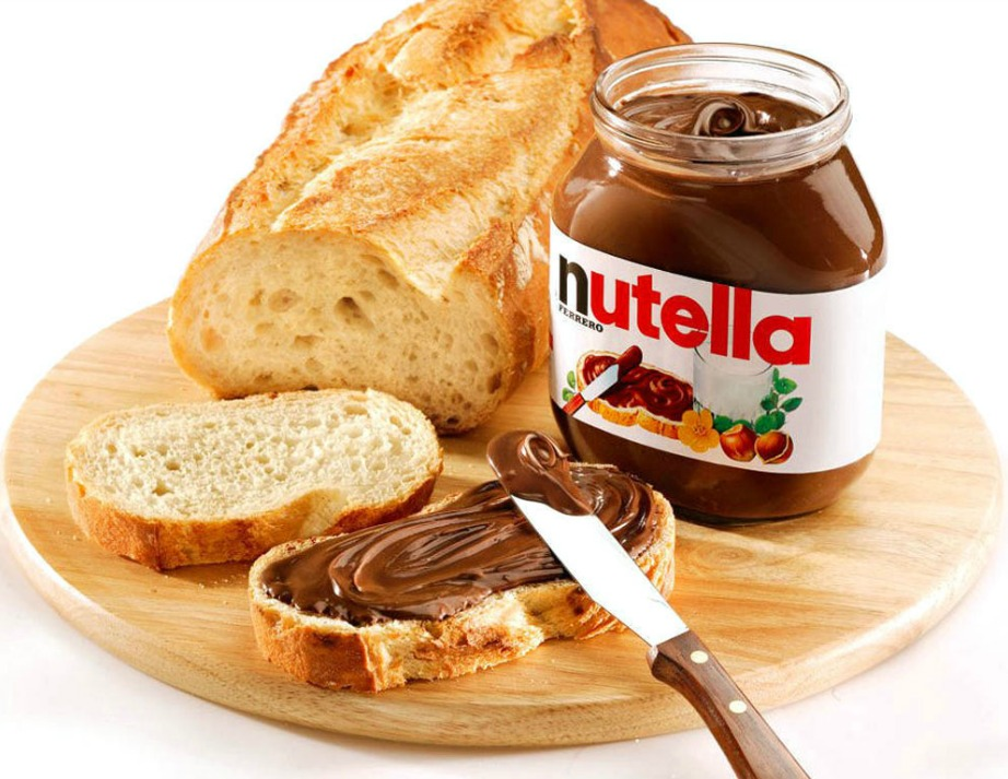 Ψωμί με nutella! Ένα από τα πιο διάσημα σνακ μικρών και μεγάλων.