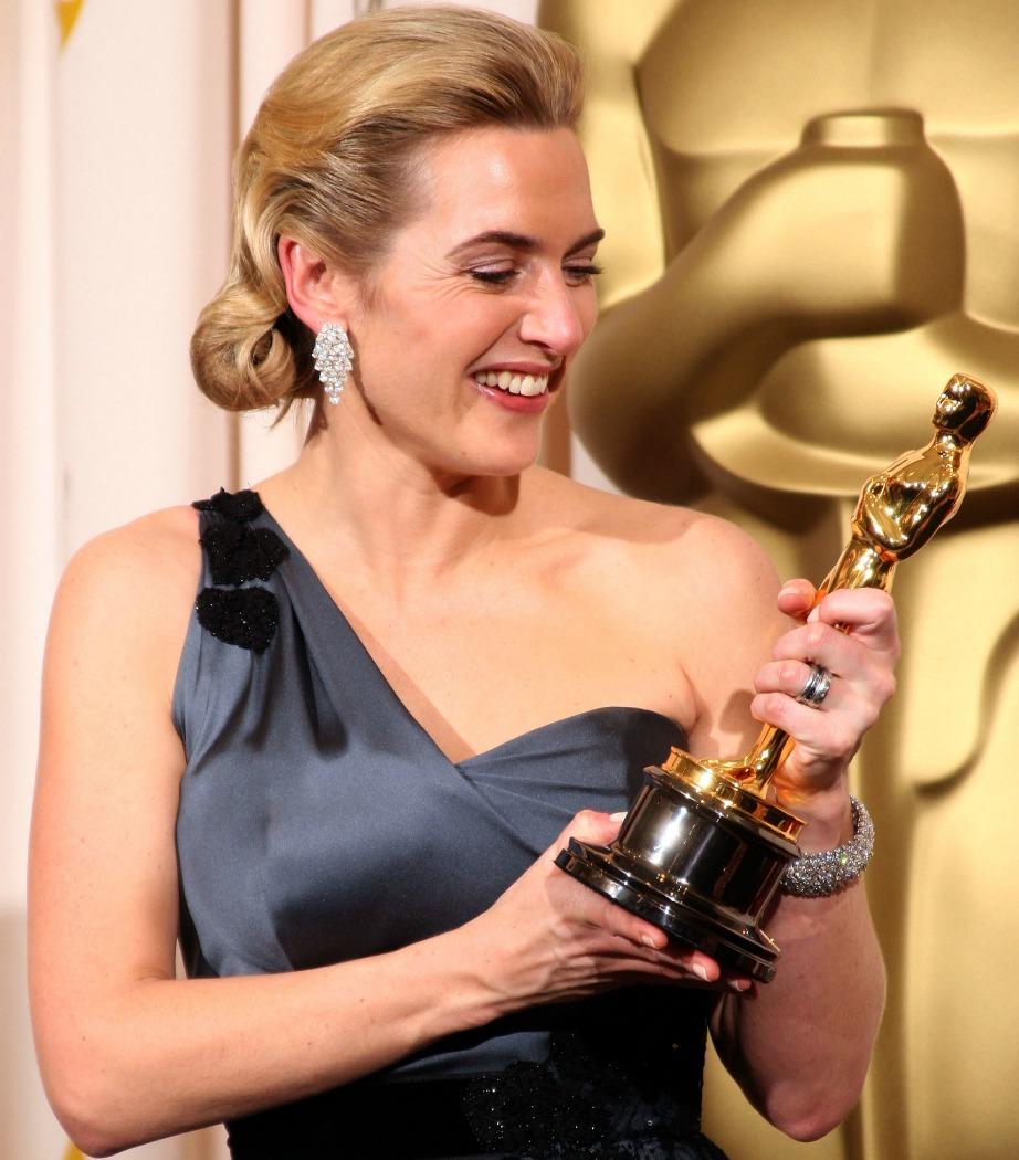Η Kate Winslet είναι φέτος υποψήφια για το Όσκαρ Β' Γυναικείου ρόλου για την ταινία Steve Jobs.
