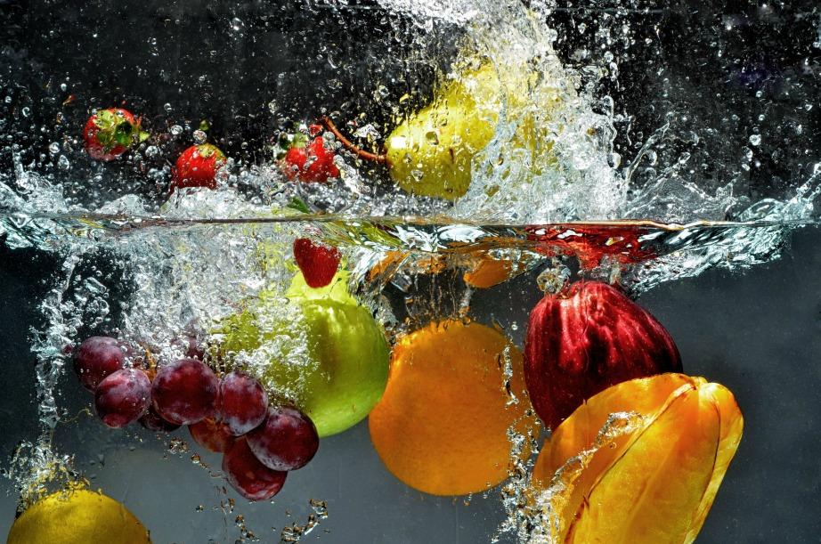 Απολυμάντε φρούτα και λαχανικά.