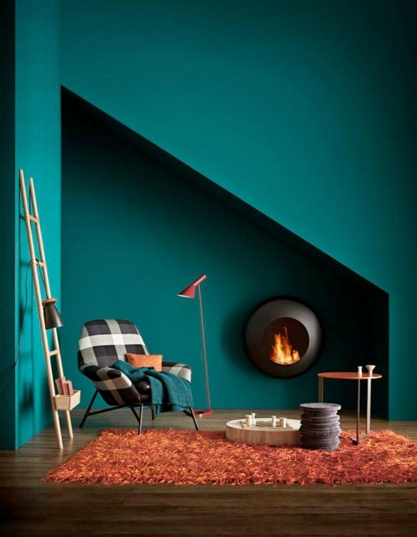 Το πετρόλ χρώμα συνδυάζεται πολύ όμορφα με επιπλάκια σκανδιναβικού τύπου.