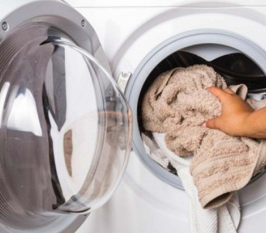 Προσπαθήστε να μην υπερφορτώνετε το πλυντήριο.