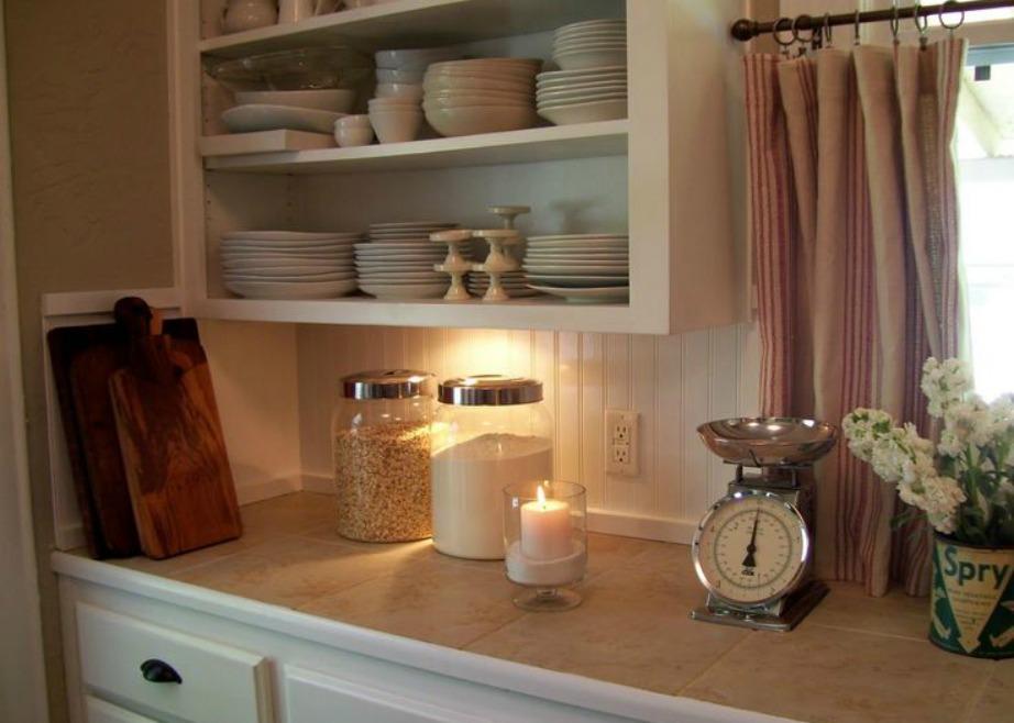 Επιλέξτε όμορφο φωτισμό για την κουζίνα σας.