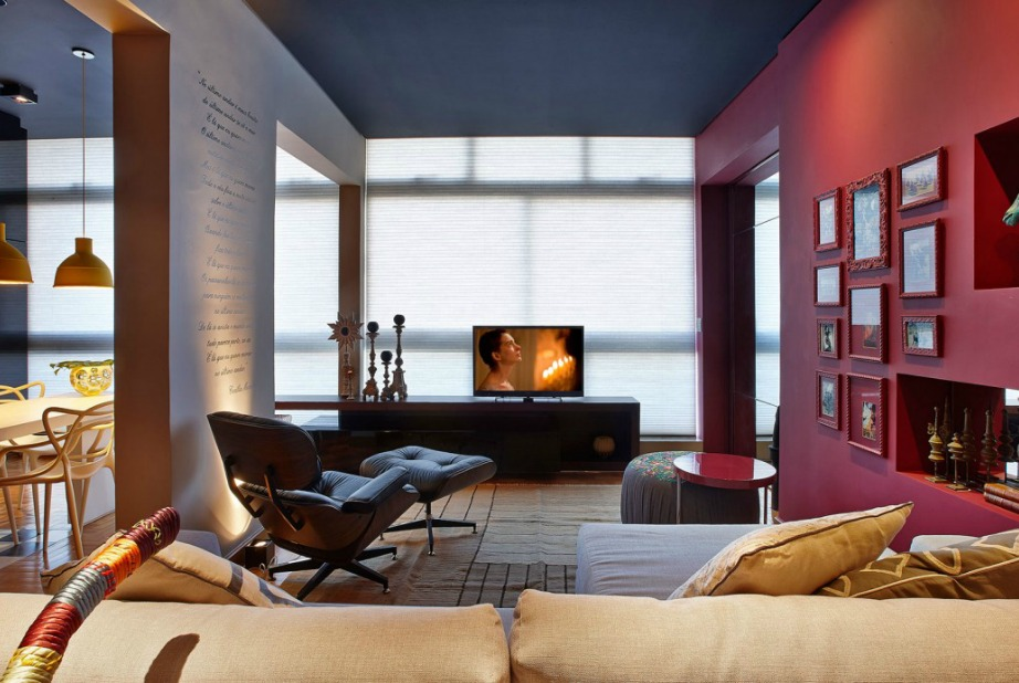 Το μπορντό είναι ένα χρώμα που ταιριάζει στους τοίχους κάθε δωματίου.