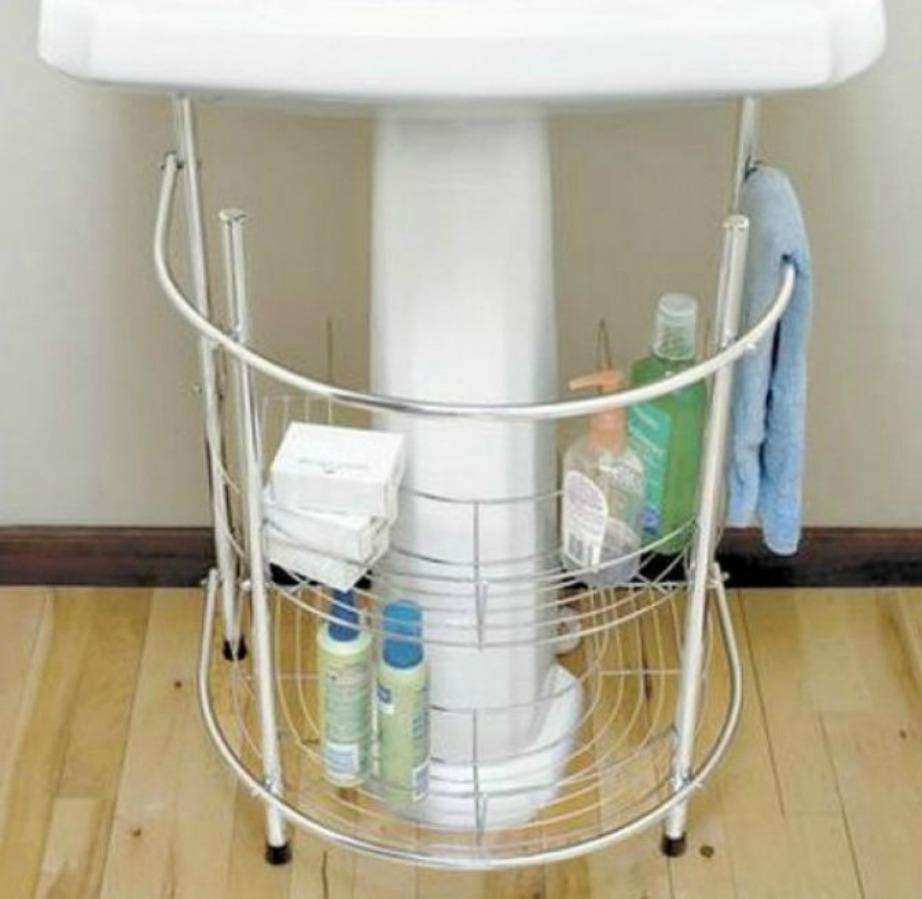 Μια ωραία ιδέα οργάνωσης αν δεν έχετε ντουλάπι κάτω από τον νεροχύτη σας.