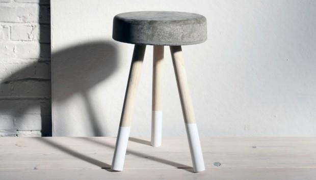 DIY: Φτιάξτε Μόνοι σας Σκαμπό για το Σπίτι με Λιγότερο από 5 Ευρώ