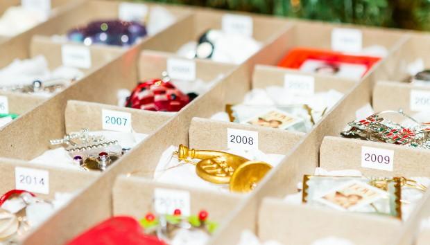 Πανέξυπνοι Τρόποι για να Αποθηκεύσετε τα Χριστουγεννιάτικα Στολίδια