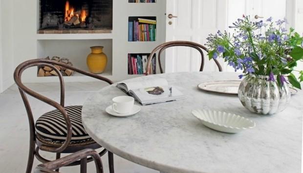 5 Τρόποι για να Διακοσμήσετε Υπέροχα μια Πολύ Μικρή Τραπεζαρία