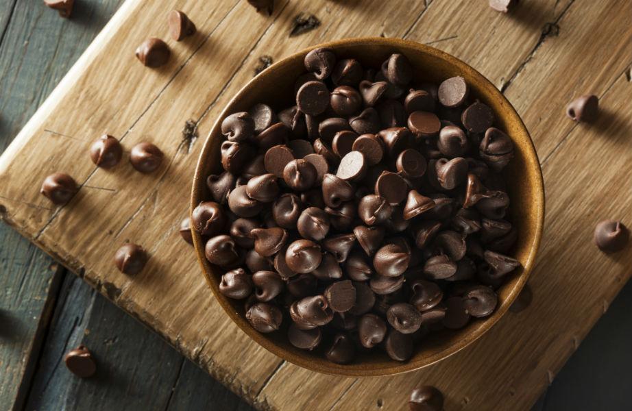 Οι σταγόνες σοκολάτας θα κάνουν τη γεύση του κέικ σας ακόμα πιο πλούσια!