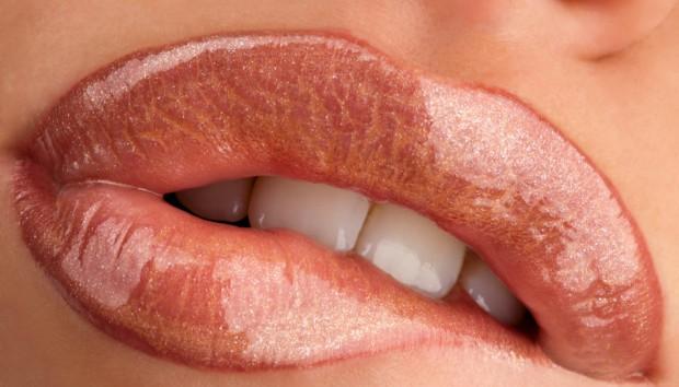 Σκασμένα Χείλη το Χειμώνα; ΕΤΣΙ θα τα Ξανακάνετε Αψεγάδιαστα