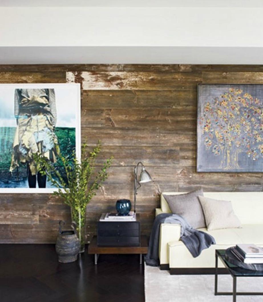 'Ντύστε' τον τοίχο σας με ξύλινη επένδυση ή βάλτε μια ωραία ταπετσαρία.