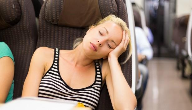 Tripsleep: Η εφαρμογή που θα σας Εξασφαλίσει τον Ύπνο σας Ανενόχλητα στα Μέσα Μαζικής Μεταφοράς!