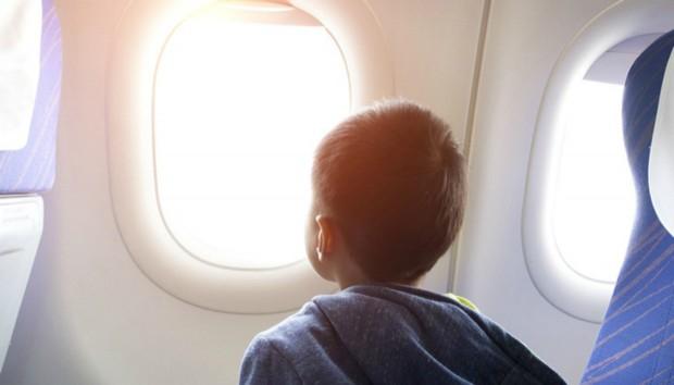 Γνωρίζετε Γιατί τα Παράθυρα των Αεροπλάνων Είναι Στρογγυλά;