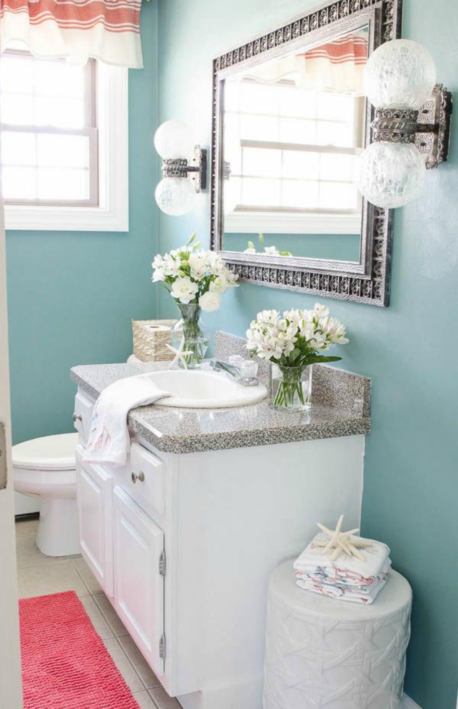 Το απαλό μπλε ταιριάζει πολύ σε μπάνια και υπνοδωμάτια.