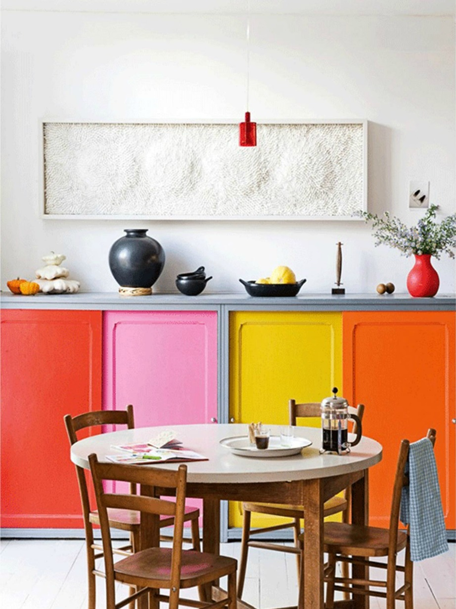 Color blocking στα ντουλάπια της κουζίνας!