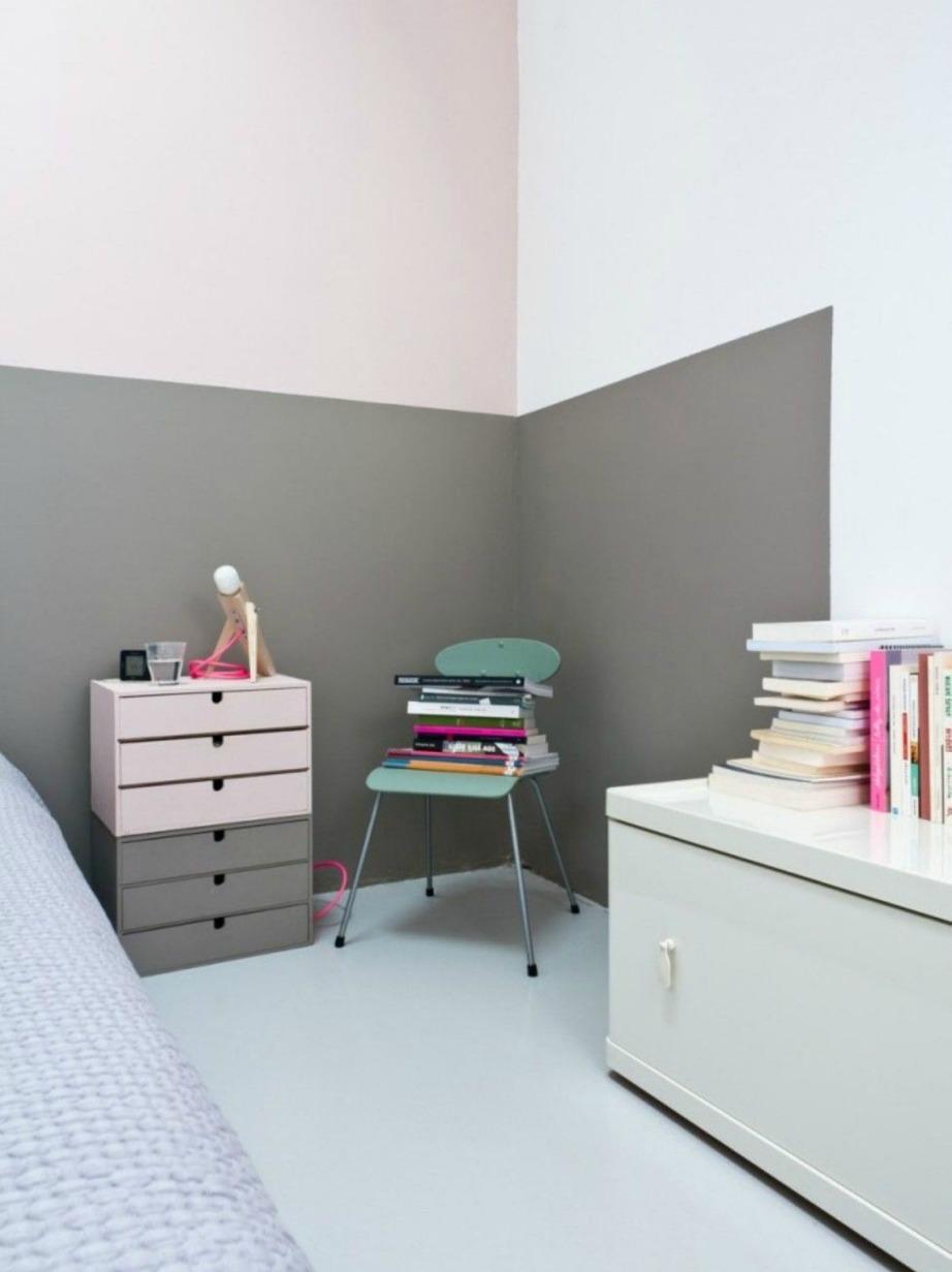 Σε αυτό το υπνοδωμάτιο έχει υιοθετηθεί το color blocking effect σε τοίχους αλλά και κομοδίνα.