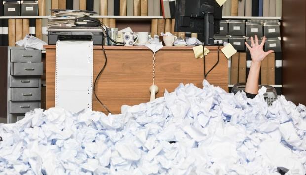 Απίστευτη Έρευνα: Αυτός είναι ο Λόγος που Αφήνουμε Πάντα τα Γραφεία μας Ακατάστατα!