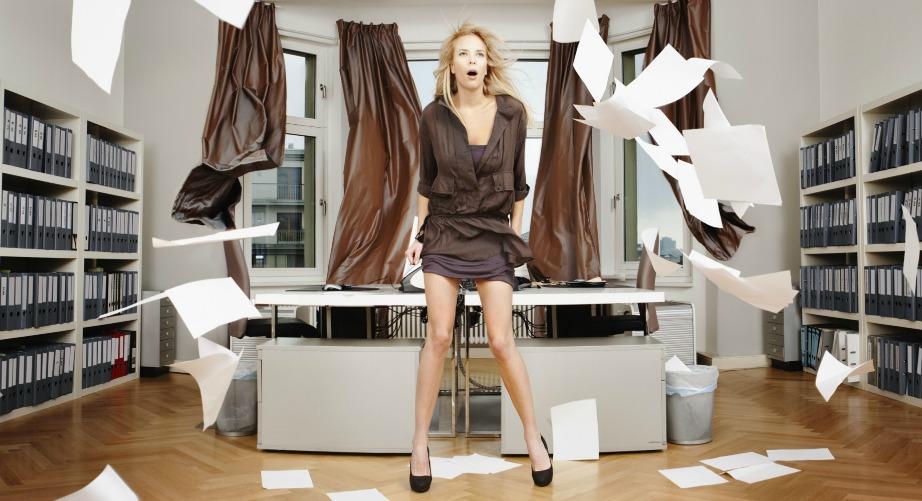 Το ακατάστατο γραφείο εμπνέει και βοηθάει τους εργαζομένους στο να σκεφτούν φρέσκες και καινοτόμες ιδέες.