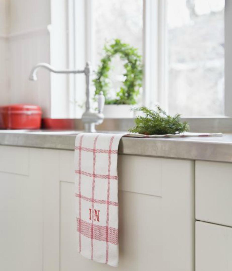 Καλό είναι να πλένετε τις πετσέτες της κουζίνας και του μπάνιου καθημερινά ή έστω μέρα παρά μέρα.