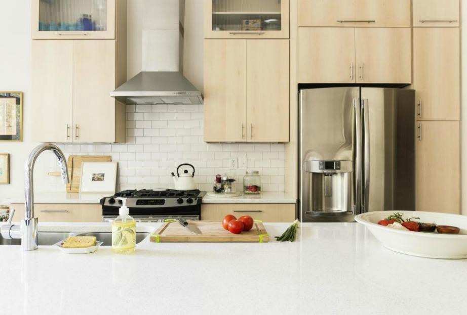 Αν καθαρίζετε σε καθημερινή βάση τους πάγκους της κουζίνας, η κουζίνα σας θα παραμένει καθαρή σε μόνιμη βάση.
