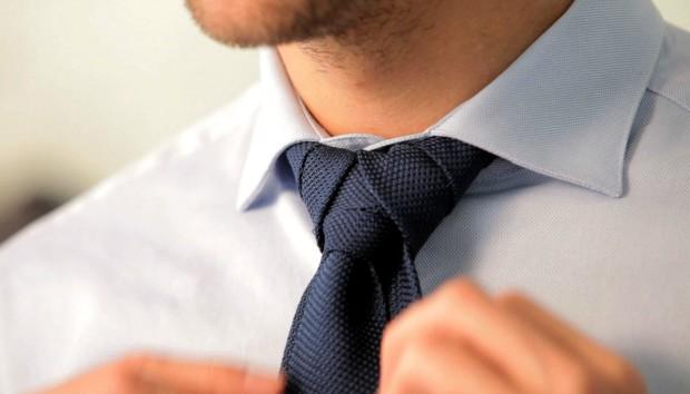 3 Διαφορετικοί Τρόποι για να Δέσετε μια Γραβάτα