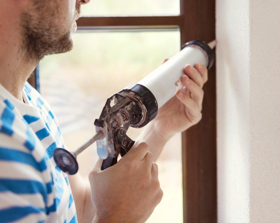 Σφραγίστε καλά τα παράθυρα για να μην μπαίνει κρύο από τις χαραμάδες.