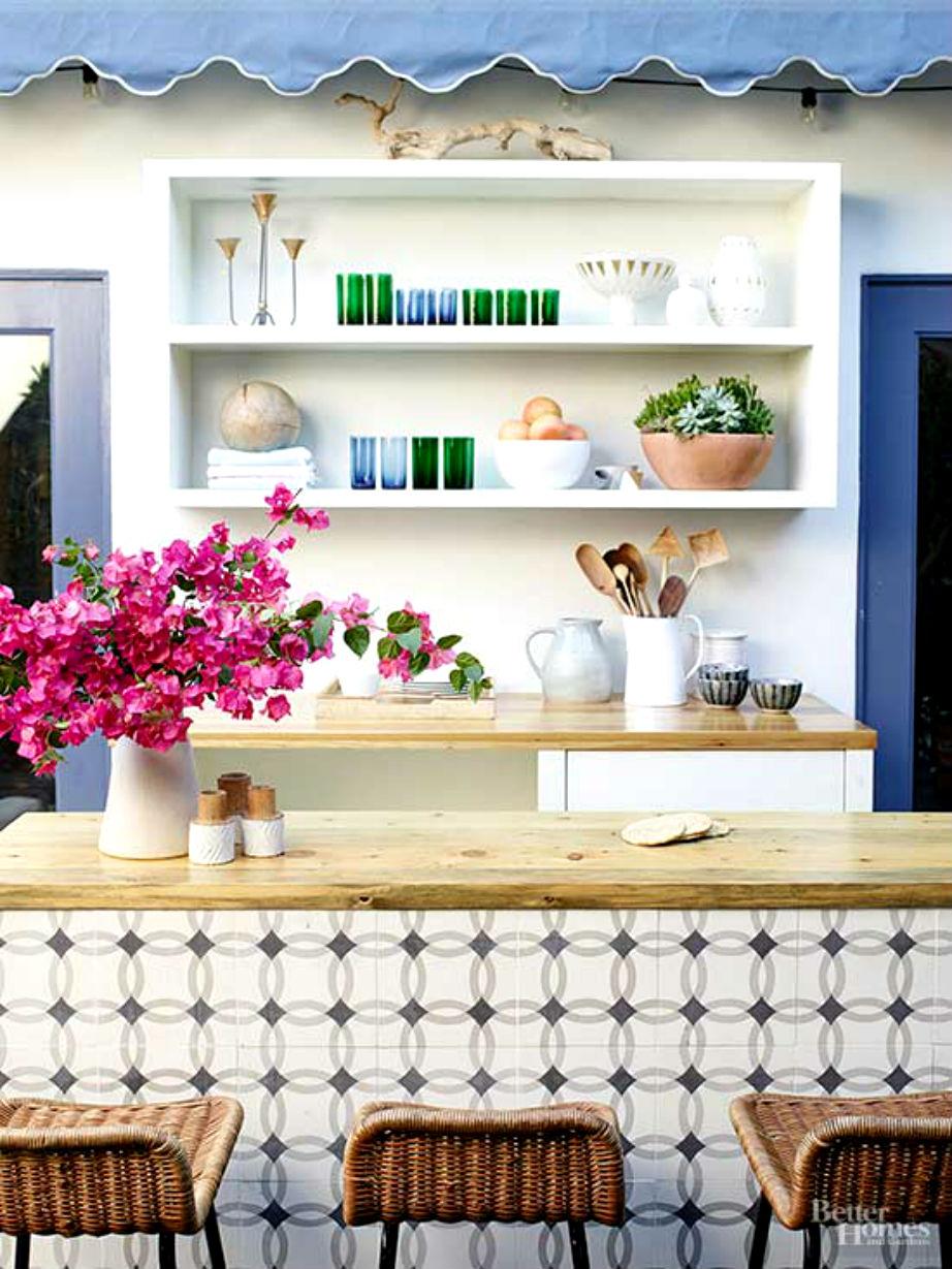 Η πανέμορφη κουζίνα της Jessica Alba σφύζει από χρώμα, στιλ και ζωντάνια!