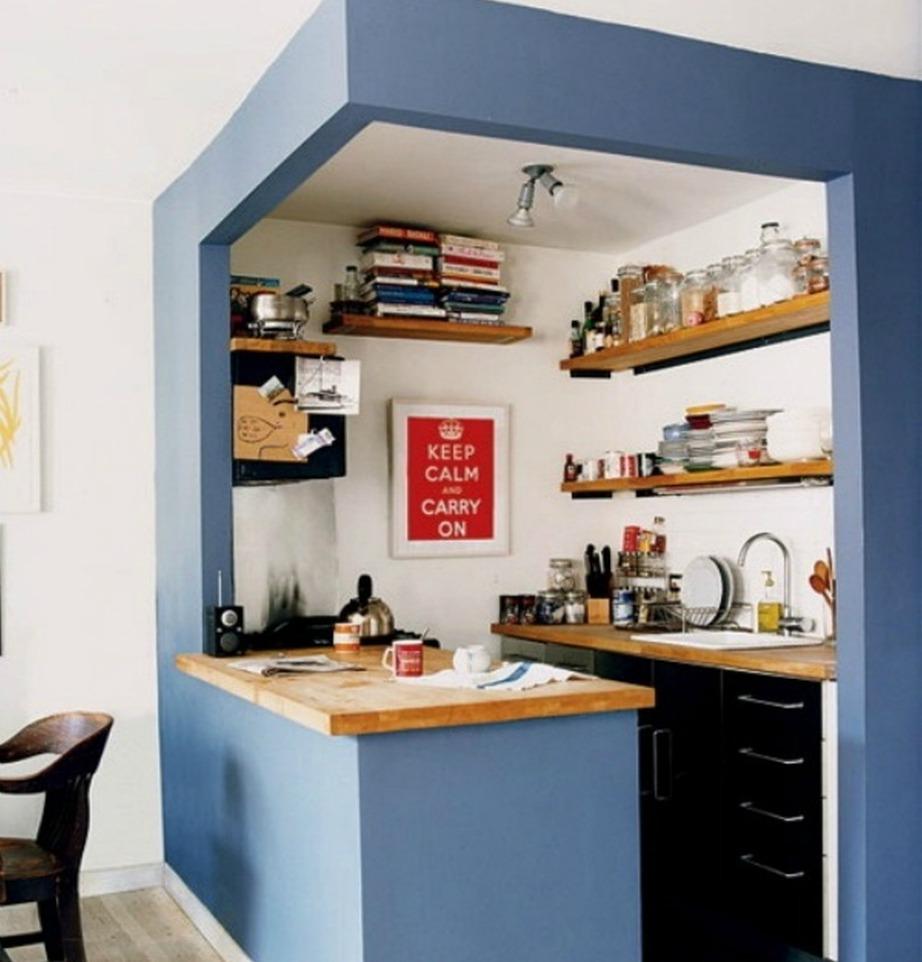 Βάλτε χρώμα στη μικρή κουζίνα σας για να τη διαχωρίσετε από τον υπόλοιπο χώρο.
