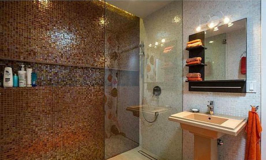 Το δεύτερο μπάνιο του σπιτιού.
