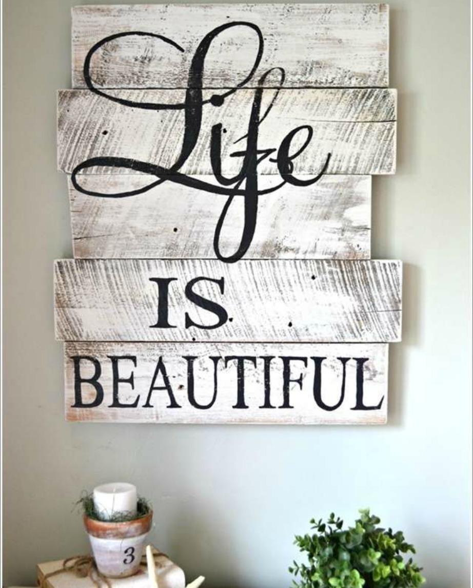 Τα quotes είναι αισιόδοξα μηνύματα που μας εμπνέουν και μας υπενθυμίζουν αξίες και σκέψεις που συχνά, μέσα στην καθημερινότητα, ξεχνάμε.