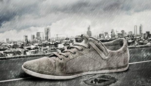 Πώς να Κάνετε τα Παπούτσια σας Αδιάβροχα Χρησιμοποιώντας Μόνο Ένα Κερί