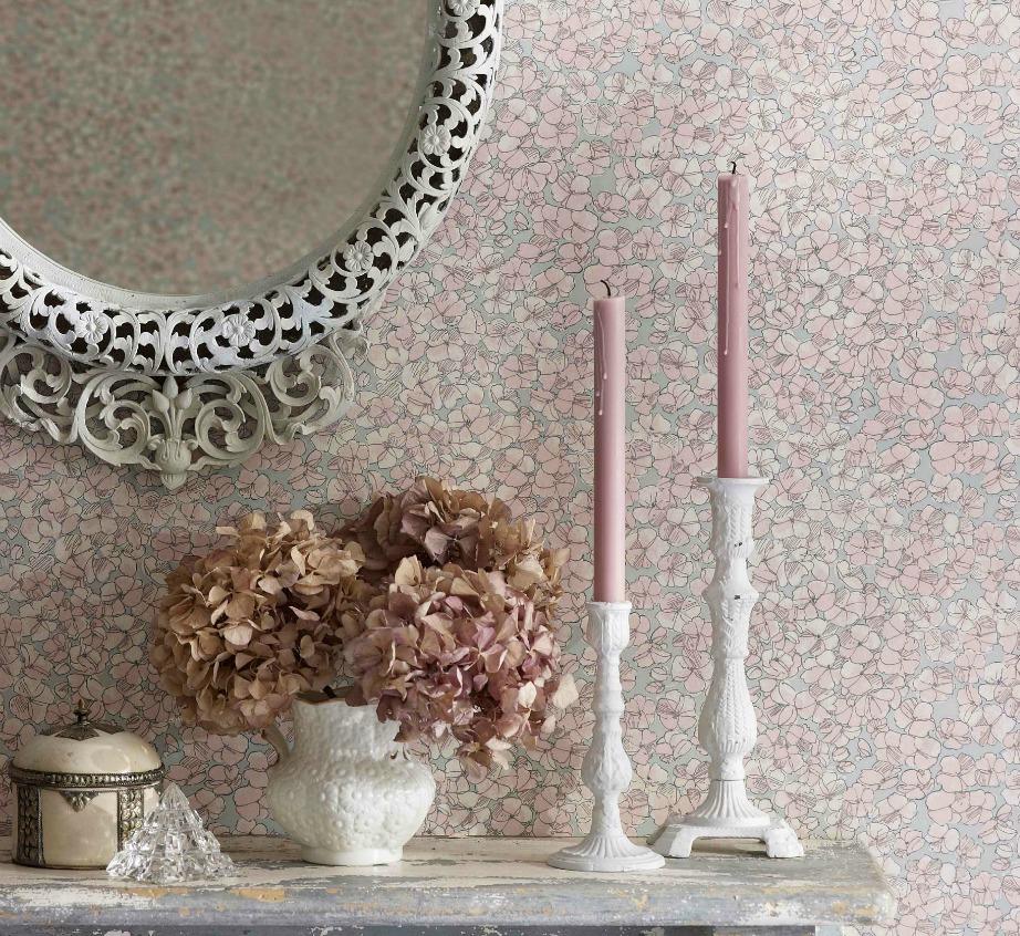 Ένα μακρόστενος καθρέφτης είναι μια καλή ιδέα για να κρύψετε ένα ράγισμα.