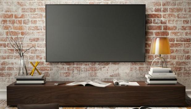 Φτιάξτε Μόνοι σας ένα Φυσικό Καθαριστικό για την Οθόνη της Τηλεόρασης