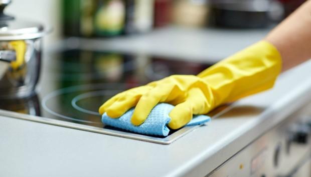 Ο πιο Εύκολος και Σωστός Τρόπος για να Καθαρίσετε το Βετέξ της Κουζίνας