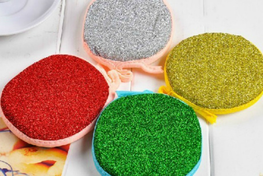 Πλέον στο εμπόριο κυκλοφορούν συρματάκια σε διάφορα χρώματα και σχέδια.
