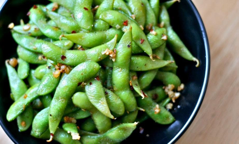 Είναι αγένεια να τρώτε τα συγκεκριμένα φασολάκια στην Ιαπωνία χωρίς ξυλάκια.
