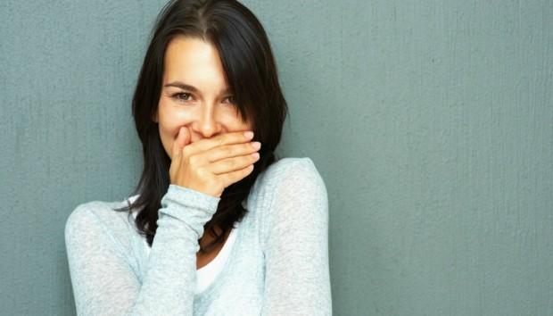 Μυρίζει Άσχημα η Αναπνοή σας; Φτιάξτε το Δικό σας Στοματικό Διάλυμα Κανέλας