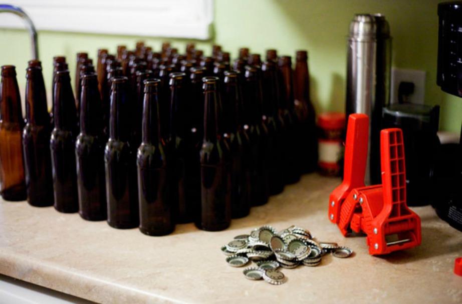 Δεν υπάρχει κανένας λόγος να συλλέγετε μπουκάλια μπύρας. Εκτός αν τα έχετε κρυμμένα μέσα στο ντουλάπι σας.