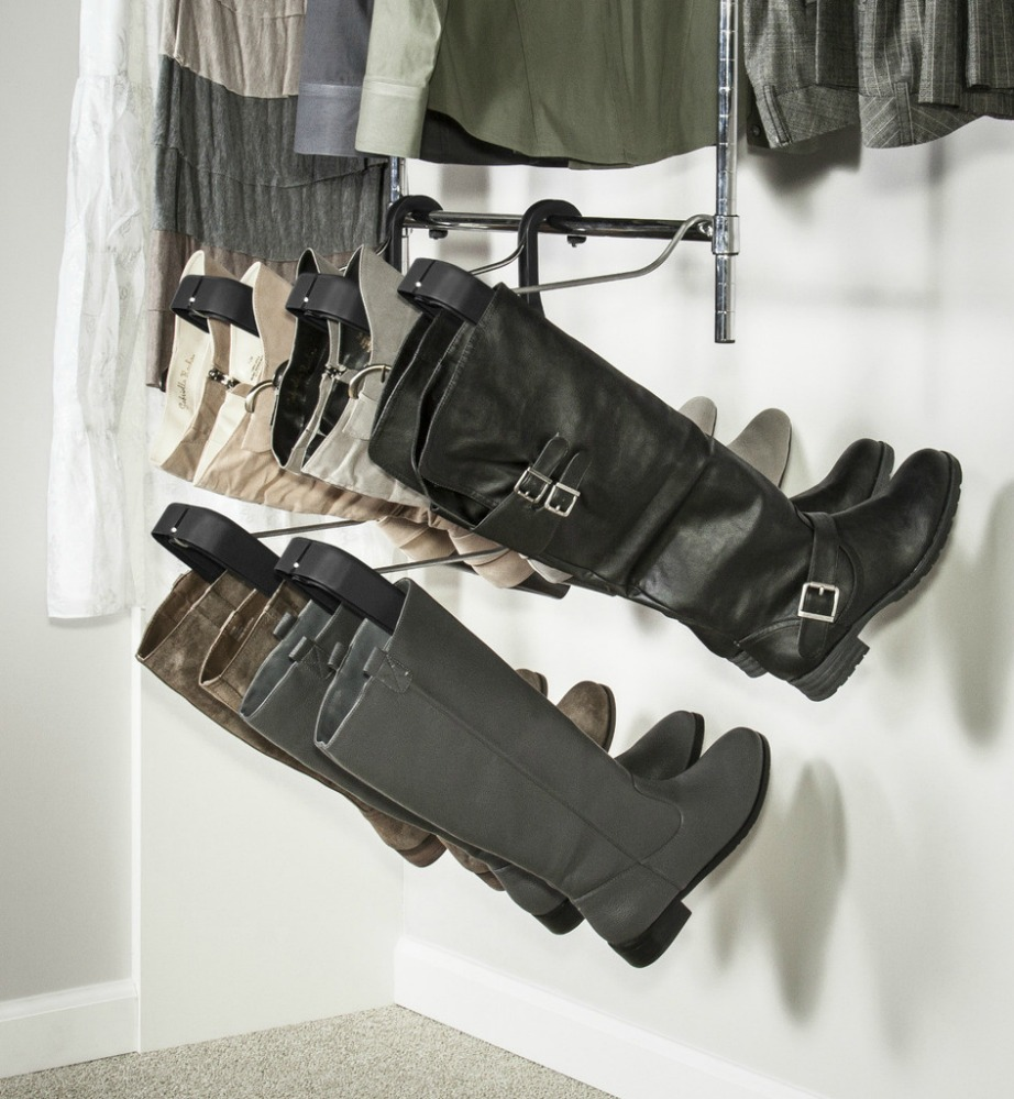 Αυτές οι κρεμάστρες λέγονται boot-butler και αποτελούν την καλύτερη λύση αποθήκευσης μπότας.
