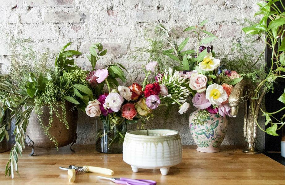 Τα λουλούδια και τα φυτά είναι ο πιο ανέξοδος τρόπος να αλλάξετε την όψη του σπιτιού σας.