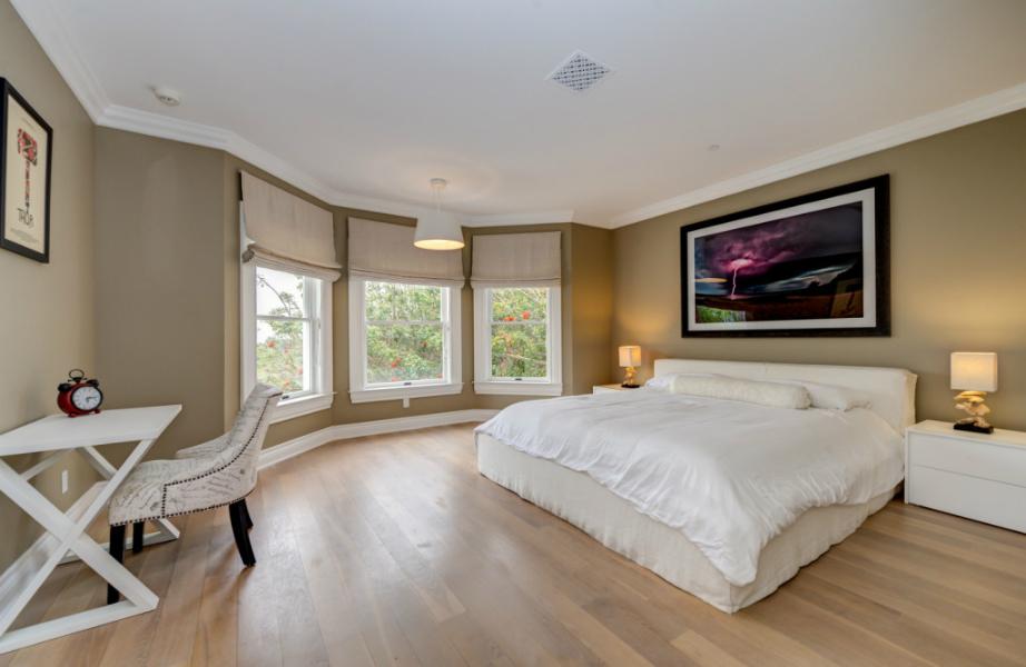 Τα πρωινά σε αυτή την κρεβατοκάμαρα φαντάζουν πολύ γαλήνια.