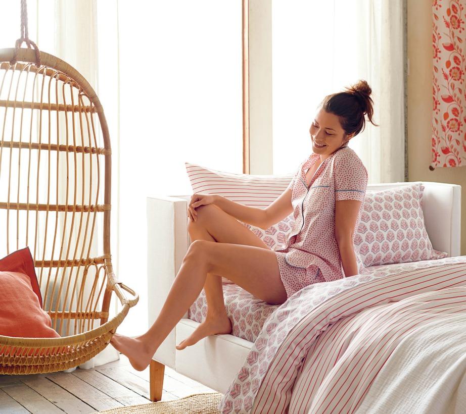 Επιλέξτε διπλό κρεβάτι που είναι εύκολα προσβάσιμο και από τις δύο πλευρές.