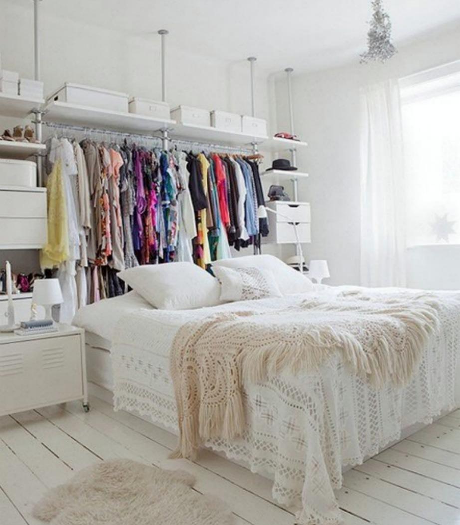 Δεν έχετε πολύ χώρο; Δεν πειράζει! Δημιουργήστε μια ανοιχτή ντουλάπα.